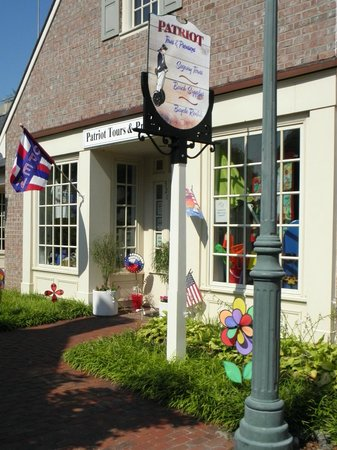Patriot Tours & Provisions: From beach towels and hats to kites and even mouthwash, this store offers tours and more!