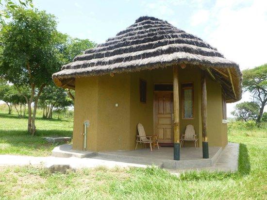 Bwana Tembo Safari Camp: Solar Powered Cabin
