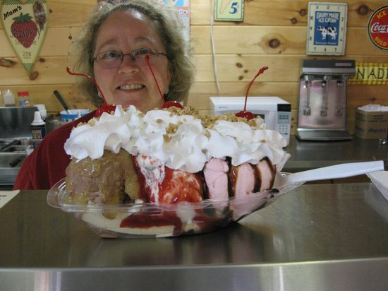 Sundaes Ice Cream Shoppe: One Of Sharon's Masterpieces