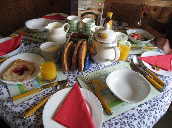 Pine Lodge Riding Holidays: The amazing breakfast (first course!)