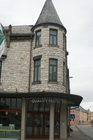 Quality Hotel Waterfront Alesund: Entrada