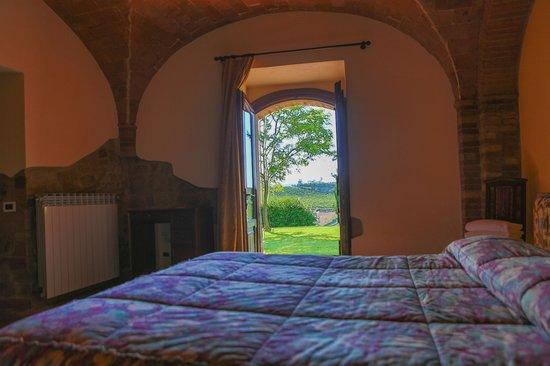 Tenuta Mormoraia: Bedroom 1 with a view