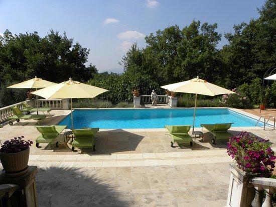 Le Mas du Roc : piscina