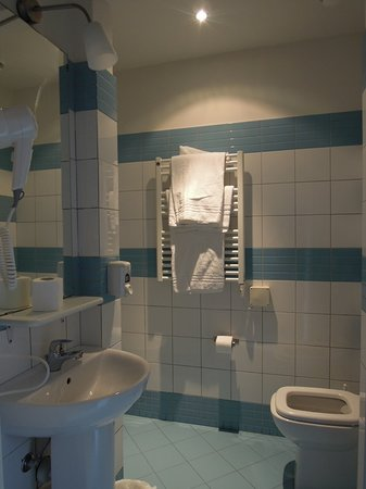 Albergo Bencidormi: Bathroom