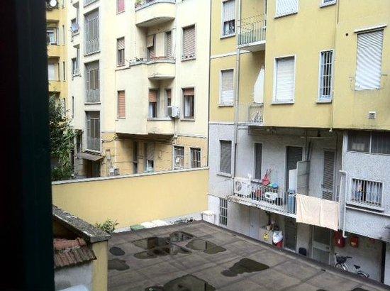 Hotel Sanpi Milano: What was described as a 'garden view'