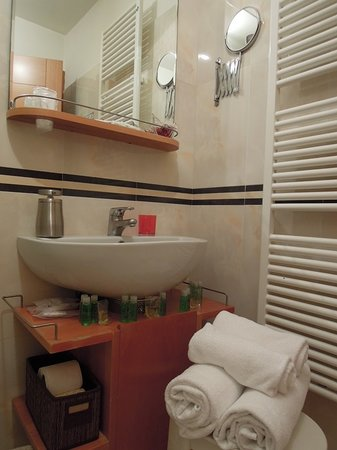 Piazza Paradiso Accomodation: Bathroom