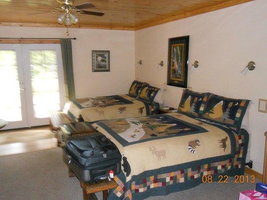 Spirit West River Lodge: room