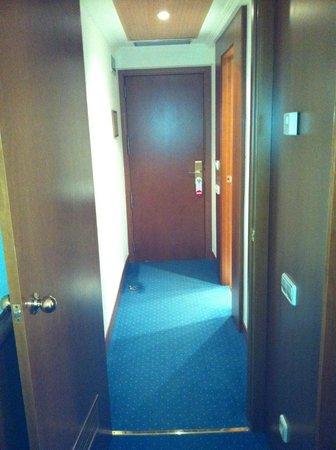 Best Western Premier Hotel Dante: Entrada quarto