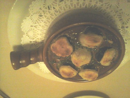 The Brass Lantern Restaurant and Lounge: Brass Lantern Escargot