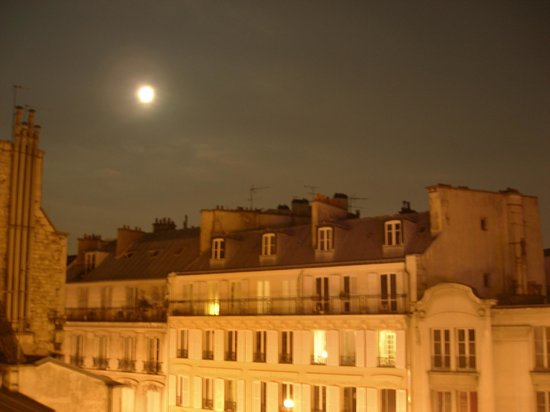 Libertel Montmartre Opera: View from the window