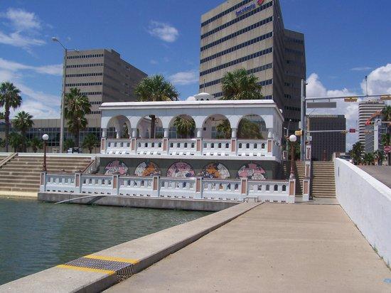 Selena Museum: Selena Memorial ( from ocean side)
