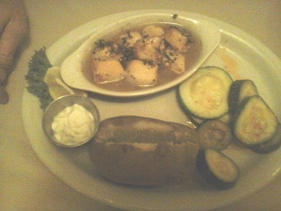 The Brass Lantern Restaurant and Lounge: Sea Scallops