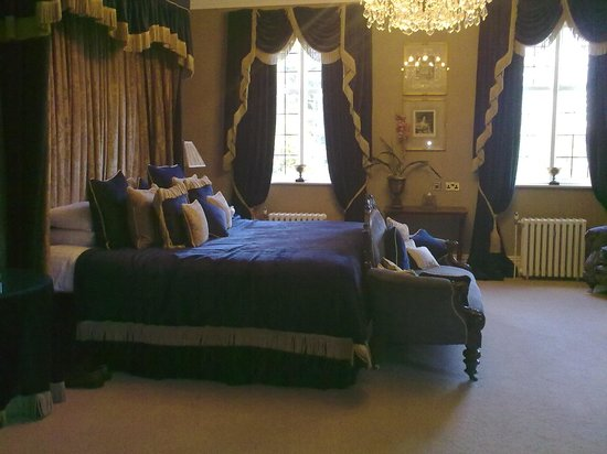 Ye Olde Bell Hotel & Restaurant: Could not believe our eyes, What Beautiful rooms