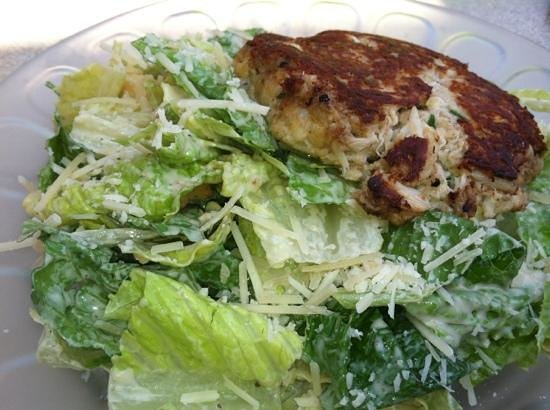 Waterman's Surfside Grille: Ceasar Salad with Crab Cake