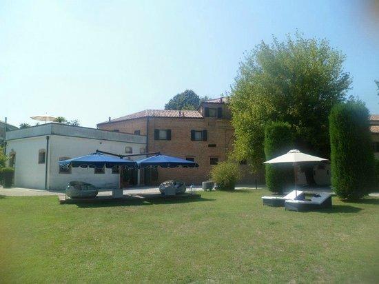 Villa Moro Lin Residence : Sun Loungers