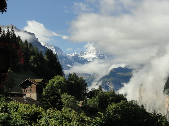 Hotel Alpenrose Wengen: Visual amazing from our room ...