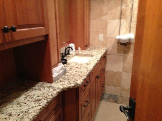 Lakeside Village: granite sink