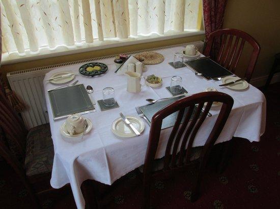 Shannonside House B&B: sala da colazione