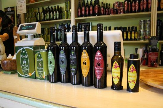 Moulin CastelaS: Olive Oil Collection