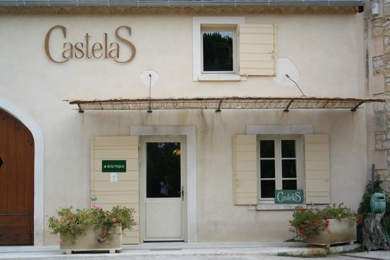 Moulin CastelaS: Tasting Room Entrance
