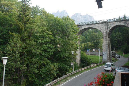Bridge view picture of hotel meuble villa neve cortina for Hotel meuble villa neve cortina