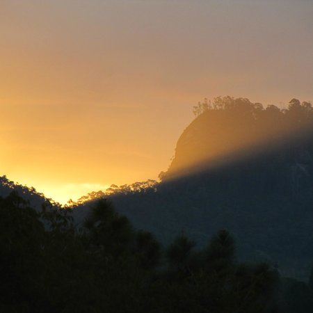 Auberge Suisse: Pôr do Sol visto do chalé