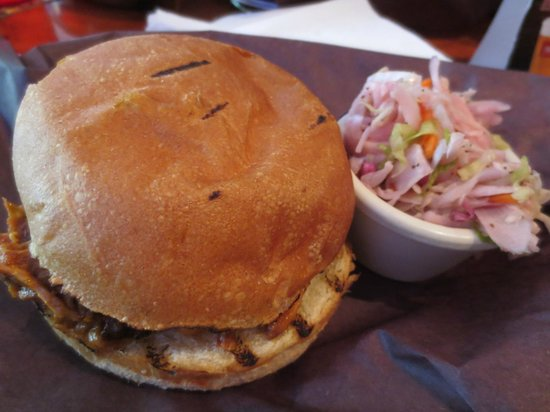 The Smoque Shack : pulled pork sandwich
