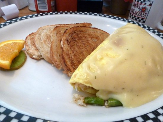 Amore Breakfast: Crab and asparagus omelette