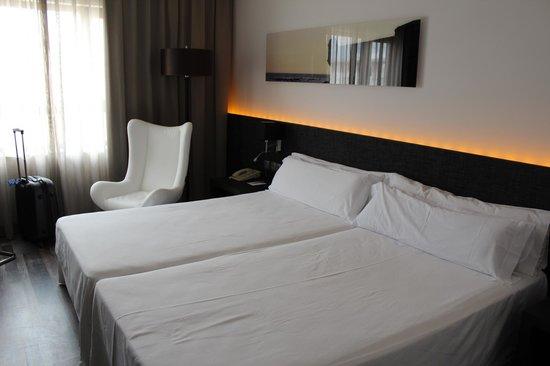 Tryp Cadiz la Caleta Hotel: Cama
