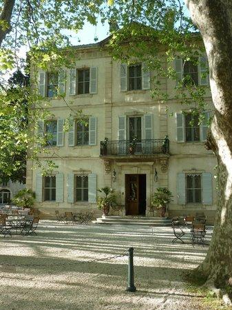 Le Chateau des Alpilles : Front entrance