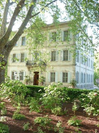 Le Chateau des Alpilles : Hotel entrance