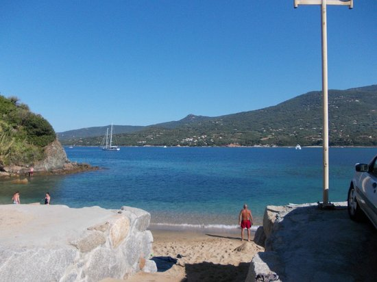 Le Sampiero Corso : vue de la plage