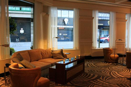 Loews Hotel Vogue: lobby