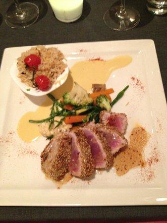 Quai 38 : Tuna in Sesame