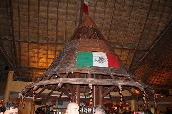 Barcelo Maya Colonial: Angolo bar ristorante messicano