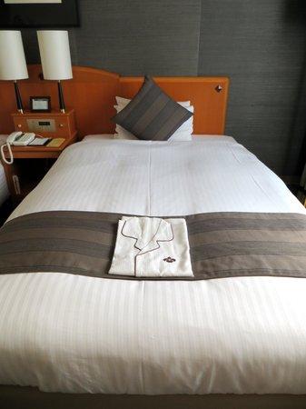 Okayama Koraku Hotel: particolare letto