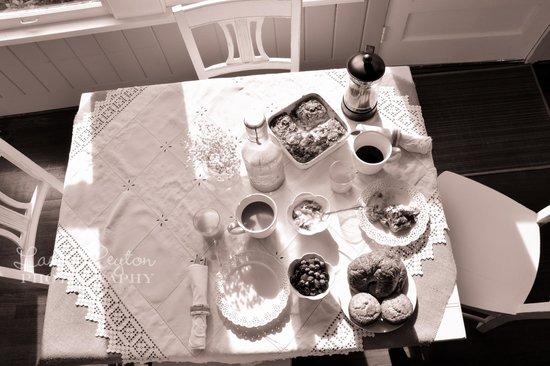 Hodge Podge Lodge: Breakfast in the Tea Room