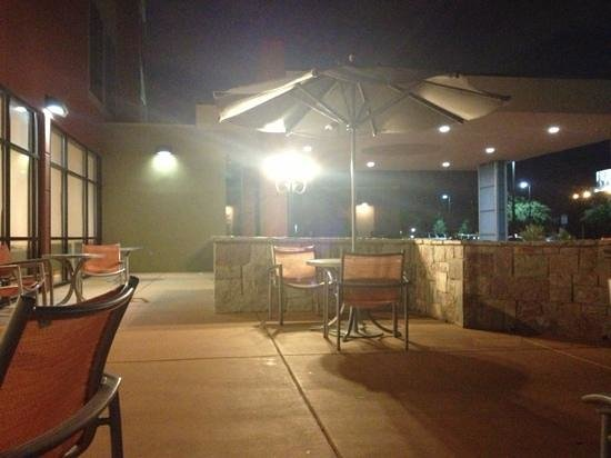SpringHill Suites San Antonio SeaWorld/Lackland: great little patio area