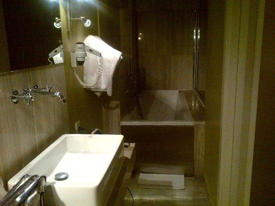 Ibrahim Pasha Hotel: My fabulous bathroom