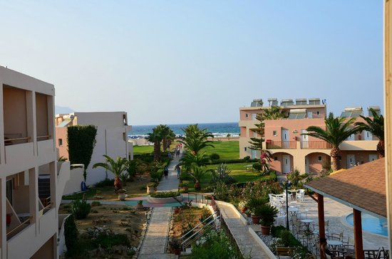 Hotel Delfina Beach : Vista desde balcón de la habitación.