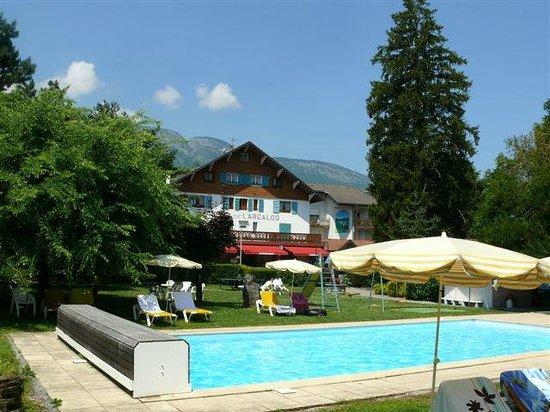 Hotel Arcalod : vue depuis le jardin