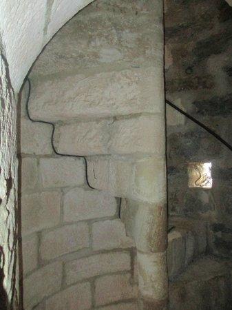 Chateau de Turenne: L'escalier de la tour