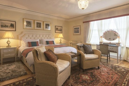 Chancery House: Bedroom with Super King Size Bed and on-suit Shower
