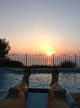 B&B Cala del Rio Isola di Capri: the view from the pool deck!
