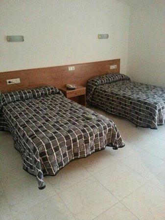 Hotel Ronsel: habitación