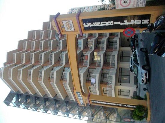 Hotel Mainare Playa Fuengirola: entrada principal