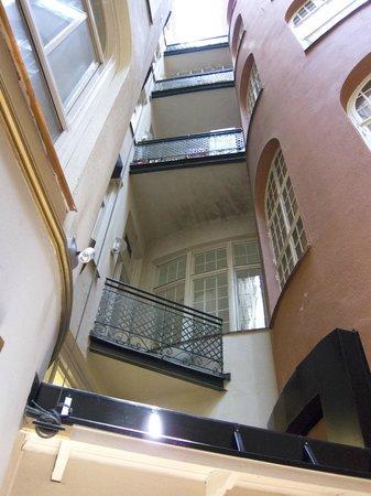 Hotel Kung Carl: Hall et salle de petit déjeuner