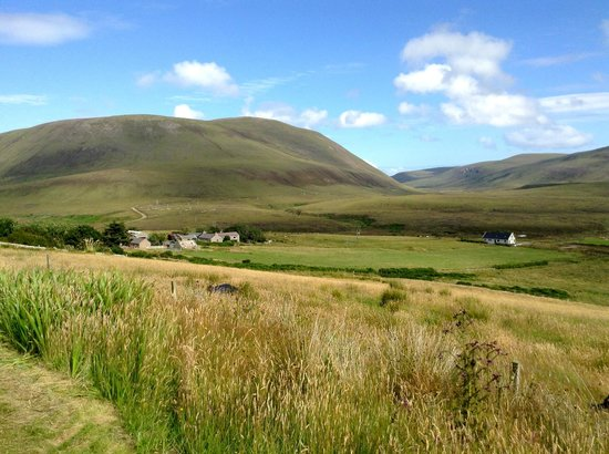 Orkney Archaeology Tours : Rolling Hills of Hoy