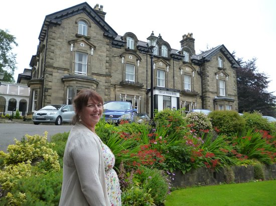 Best Western Buxton Lee Wood Hotel: The hotel and grounds