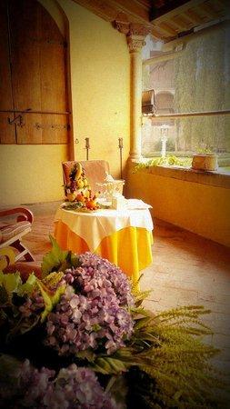 Hotel Villa Casagrande: Aperitivi on the terrace for two